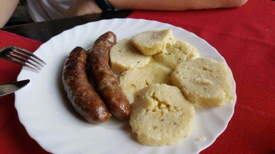 Roc, كرواتيا: istrian sausages
