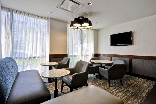 Hyatt Place Indianapolis/Keystone: Lobby