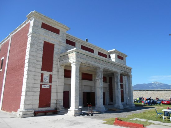 Deer Lodge, MT: within the prison walls, a theater for the inmates was built !
