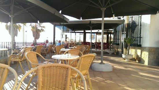 Hotel Playa de Regla: Terraza para refrescarse y ver playa.