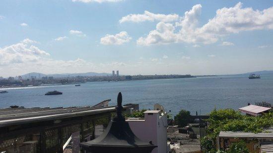 Gul Sultan Hotel: Petit déjeuner sur la terrasse