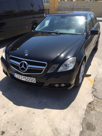 Keratea, Hellas: Mercedes E350 BLUETEC