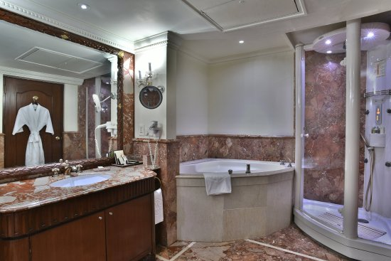 Bathroom Makeover Hyderabad presidential suite bathroom - picture of taj krishna hyderabad
