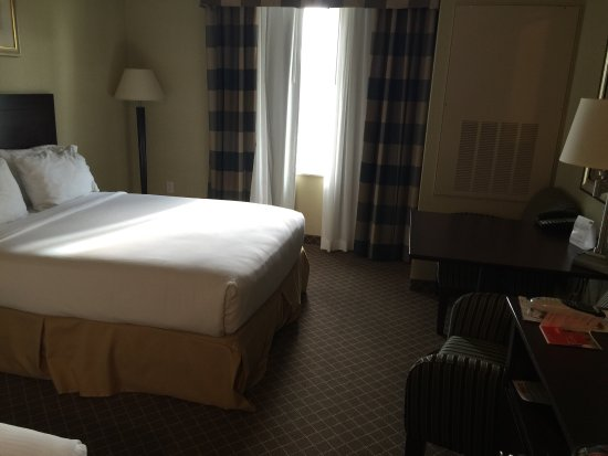 Chehalis, WA: Good hotel- shows some wear but overall nice!