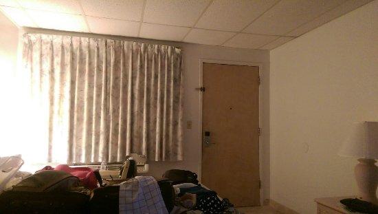 Rodeway Inn & Suites: IMAG2730_large.jpg