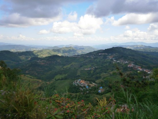 Doi Mae Salong: View from the temple compound