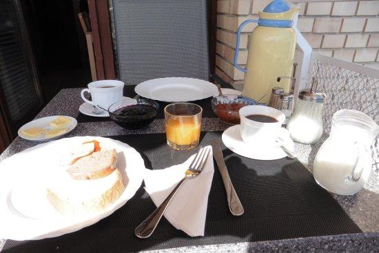 B & B Bellevue Budapest: petit dejeuner sur la terrasse
