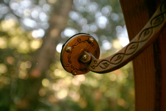 Free Spirit Spheres: Eryn - Custom window hardware