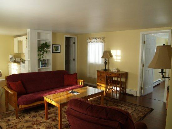 Wilton, ME : Four Room Suite - Living Room