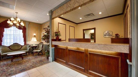 BEST WESTERN Eureka Inn: Front Desk