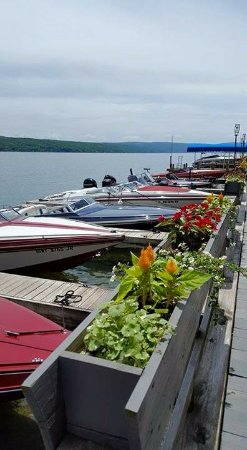 Waterfront Restaurant: Boat club
