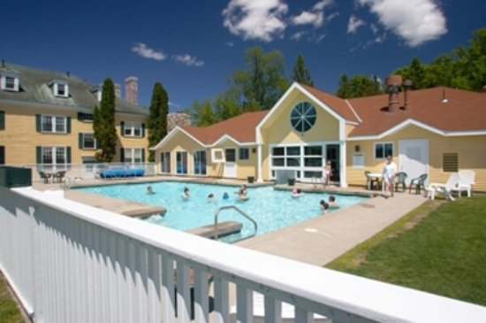 The Bethel Inn Resort: Year round outdoor heated pool