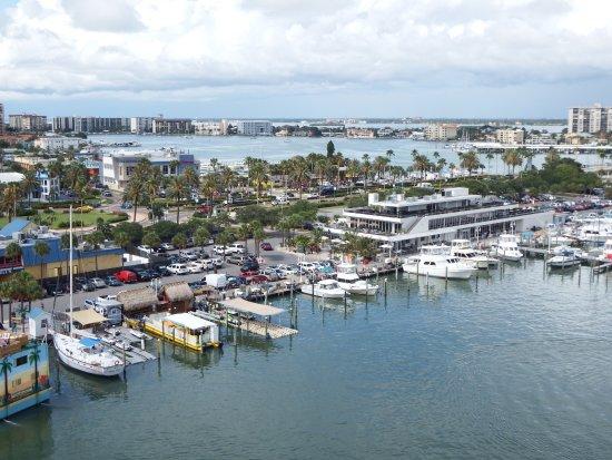 Pier House 60 Marina Hotel Photo