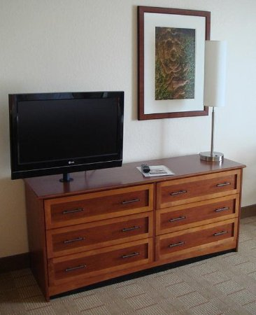 Holiday Inn Express Indianapolis Downtown City Centre: All Rooms Include Flat Panel HD TV