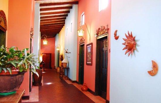 Hotel Portal del Angel: PASILLO 2