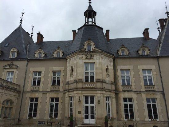 Saint-Sernin-du-Bois, France : The Chateau Sabine