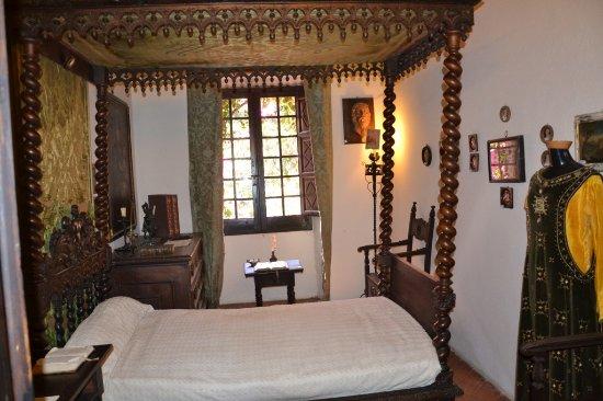 Letto A Baldacchino Immagini.Letto A Baldacchino Picture Of Castle Of Sanluri Tripadvisor