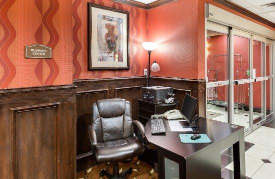 Comfort Suites Plano: Business Center