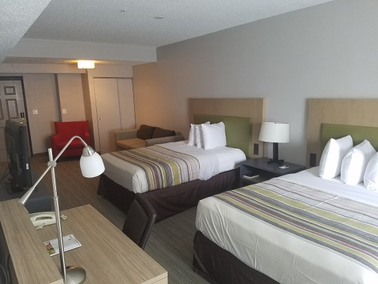 Country Inn & Suites Washington DC East - Capitol Heights, MD.: Two Queen Beds