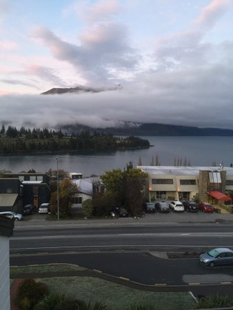 Copthorne Hotel & Apartments Queenstown Lakeview: View from the balcony..