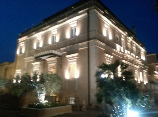 Villa Del Bosco Hotel: CAM05551_large.jpg