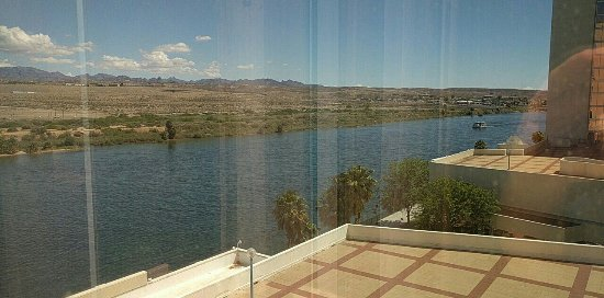 Aquarius Casino Resort: The view from tower to river, kind of side view