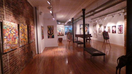 Clover's Fine Art Gallery