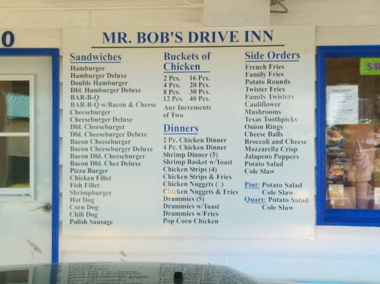 Selby, SD: Mr. Bob's drive in