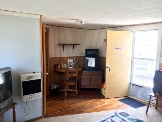 Saint John, KS: Country Inn Motel