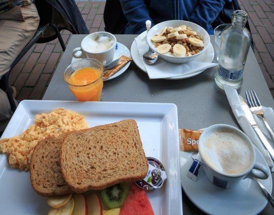 Lunchcafe Nielsen: Breakfast