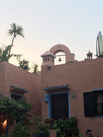 Amanhavis Hotel & Restaurant: photo2.jpg