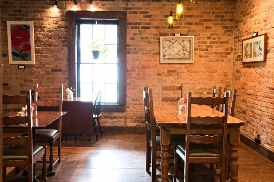 Valle Crucis, Carolina del Norte: The brick dining room, built in 1861