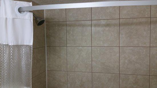 Melville, Canadá: Shower