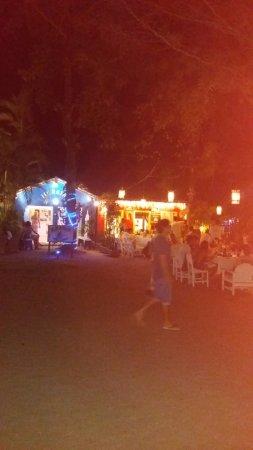 ตรันโกโซ: cASAS COLÔNIAS valorizadas por iluminação noturna.