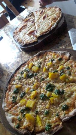 Olivia's: Al fondo la pizza de pepperoni