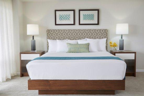 Ilikai Hotel & Luxury Suites: Ilikai Hotel And Luxury Suites Luxury Detail