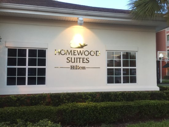 Homewood Suites by Hilton Orlando Airport: The sign by the entrance to the hotel