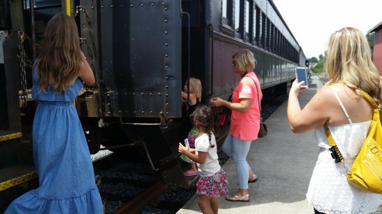 Oregon Coast Scenic Railroad: LITTLE ONES REALLY EXCITED BUT SO ARE THE OLDER ONES!