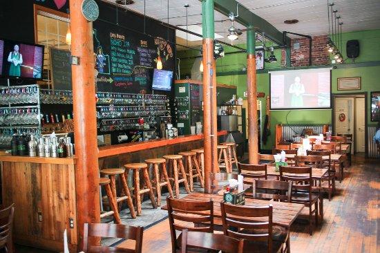 MickDuff's Brewing Company: cool interior