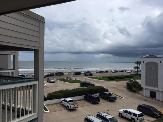 Casa Del Mar Beachfront Suites: View from Room 310 Balcony
