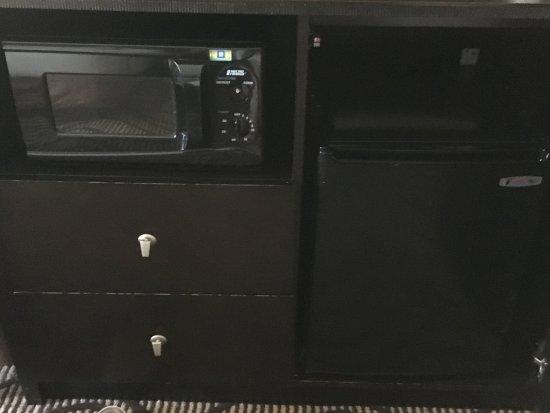 Stadium Inn: microwave, mini frig