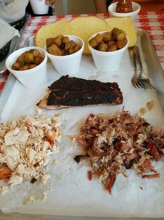 เมตเตอร์, จอร์เจีย: Okra, rib. Pull pork. Pull chicken. Fried corn.
