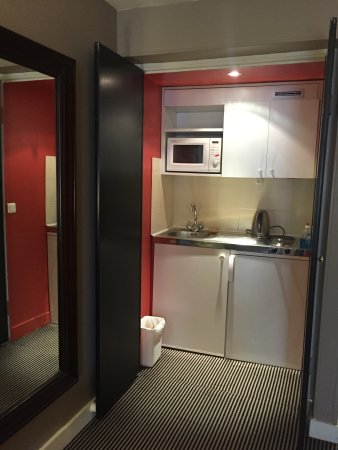 Hotel Residence des Arts: Mini kitchen