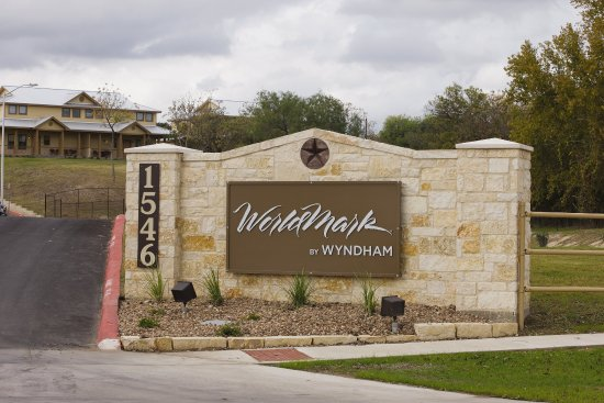 WorldMark New Braunfels: New Braunfels Monument