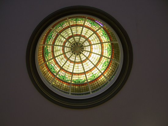 Isle of Wight County Museum: Beautiful ceiling in the museum