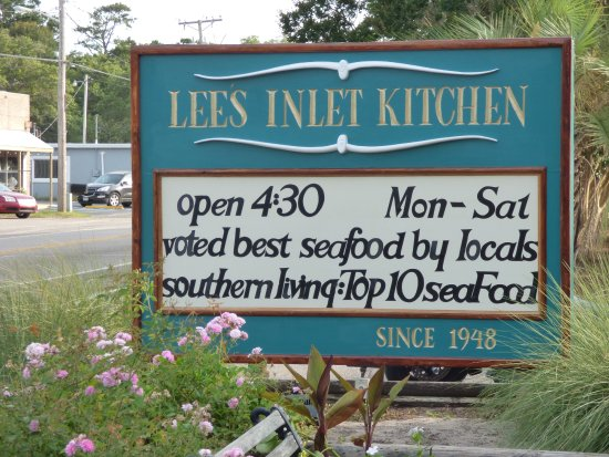 Lee's Inlet Kitchen: Sign out front