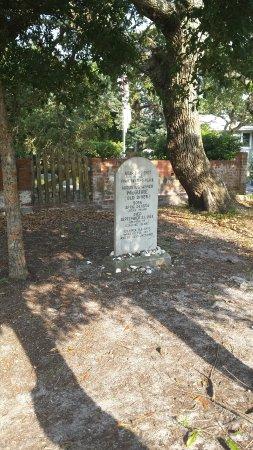 British Cemetery: 20160614_175232_large.jpg