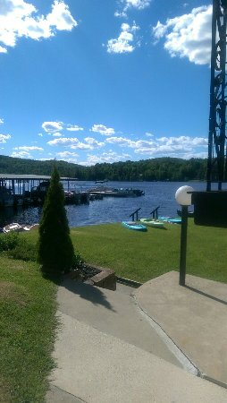Gauthier's Saranac Lake Inn and Hotel: View from outside our room.