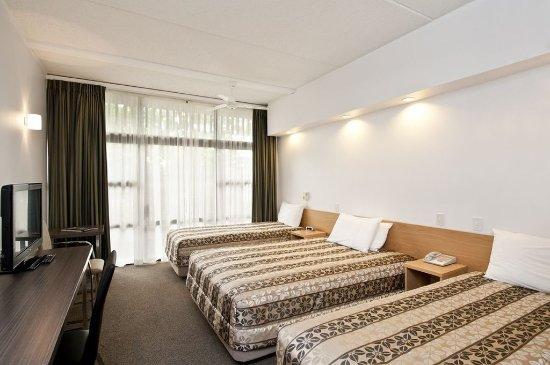 Auckland Rose Park Hotel: Premium Triple