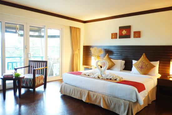 Lanta Mermaid Boutique House: Deluxe Room with Sea view